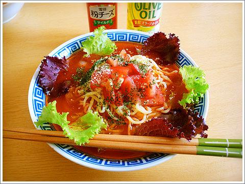 冷たいトマトのラーメン03