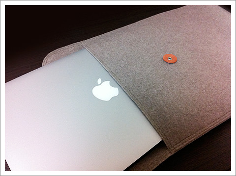 MacBook Airが入る無印良品のフェルト製封筒