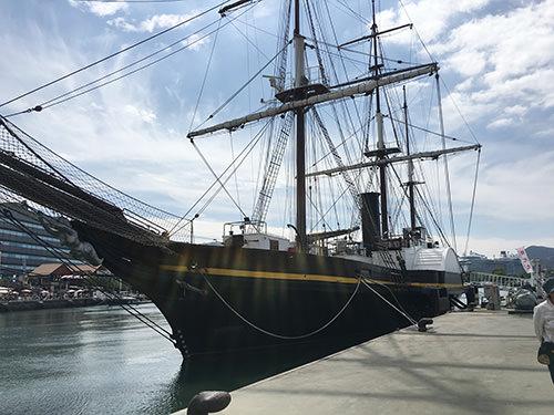 長崎港の船の写真